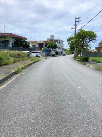 前面道路は県道37号線。