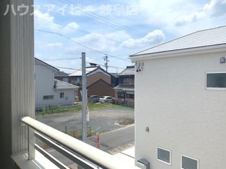 北方町長谷川 新築建売残り1棟 1880万円!お車スペース並列2台+もう1台可能!インナーバルコニーのあるお家