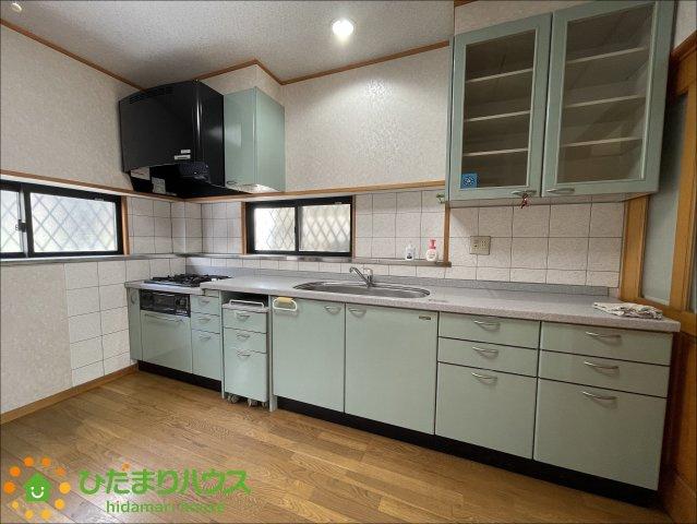 大型のキッチンが毎日のお料理をスムーズにしてくれます。