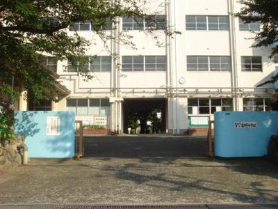 北九州市立富野中学校まで529m