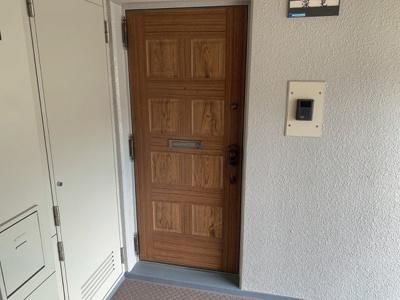 【玄関】●南向き●サンハイツ高槻 6号館