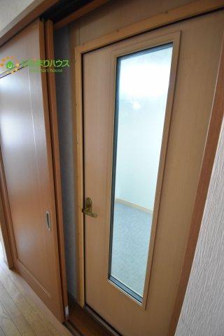 防音室は2重ドアです。