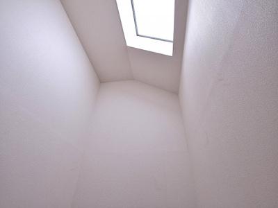 天窓から差し込む光もいいですね