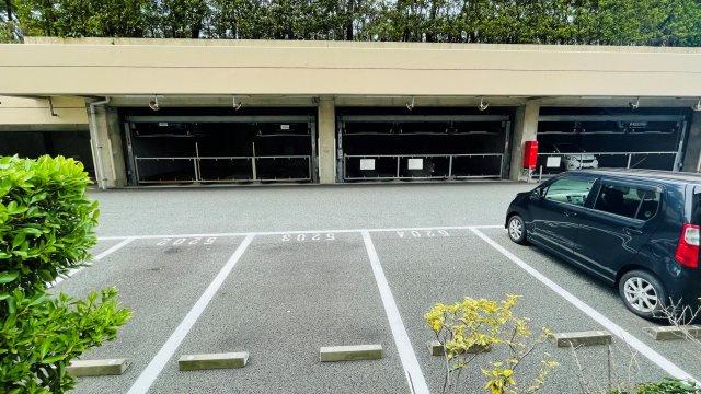 【駐車場】リベーラガーデンウエストウイングH棟
