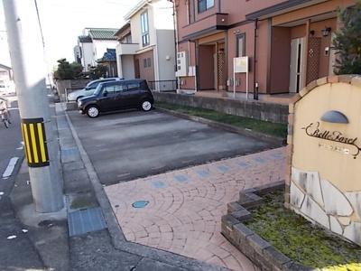 【駐車場】ベルフォーレ