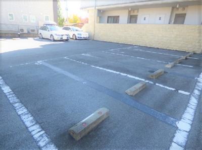 【駐車場】ヴィラ・アルカディア