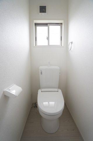【同仕様施工例】2階 窓があるので換気ができます。