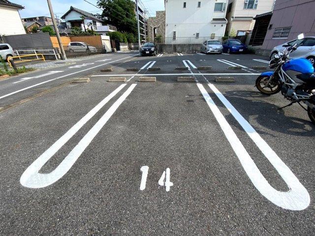 この駐車場の駐車区画はこのようになっています