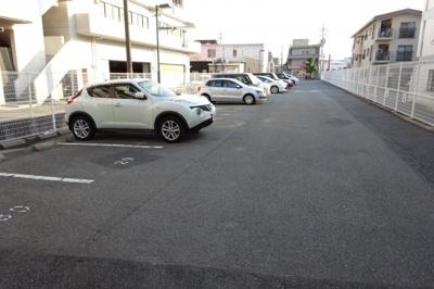 【駐車場】トリビュート