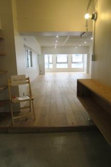 御徒町の貸事務所。 「毛利ビル」のことなら(株)メイワ・エステートへ 扉を開けた瞬間開放的な空間が広がります。