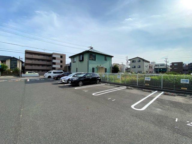 名古屋市昭和区台町にある月極駐車場になります