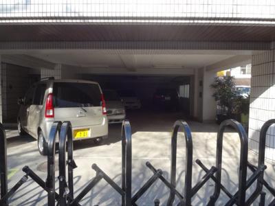 須川ハイツ 駐車場があります(空き情報は随時ご確認ください)