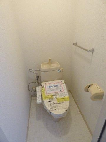 温水洗浄機能付☆ ※掲載画像は同タイプの室内画像のためイメージとしてご参照ください。