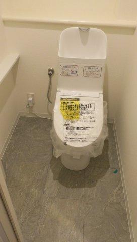 クィーンシティ東綾瀬公園:ウォシュレット機能付きトイレです!