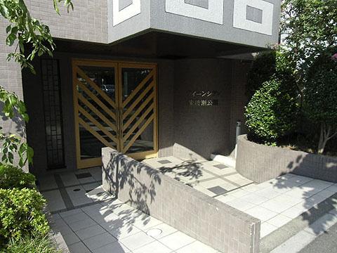 ペット飼育可能な平成13年築の新耐震基準マンション、クィーンシティ東綾瀬公園は即日現地案内可能となっておりますので、お気軽にお問い合わせください!
