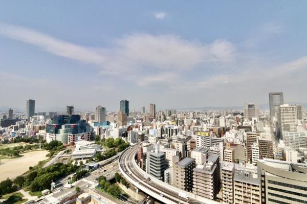 お部屋から大阪を一望できます