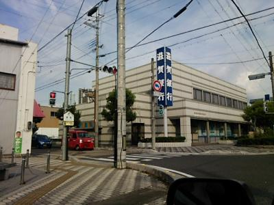 滋賀銀行 愛知川支店(43m)