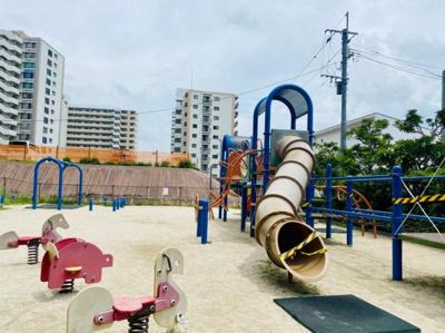 幼児用遊具付き公園