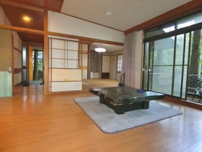 箱根山標高800m、雄大な自然に包まれた温泉付別荘地