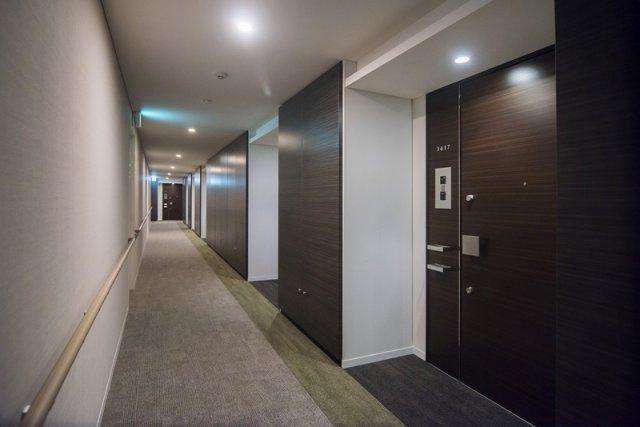 富久クロスコンフォートタワー:ホテルライクな内廊下です!