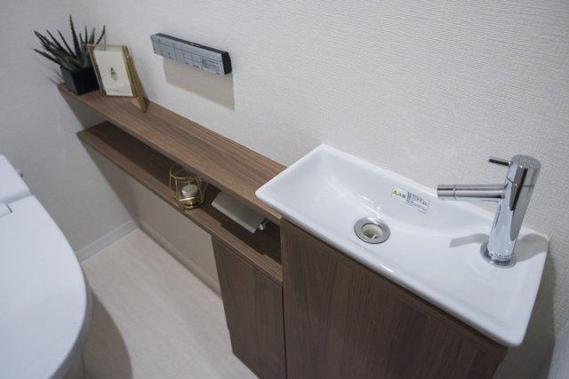 富久クロスコンフォートタワー:トイレ内の手洗い場画像です!