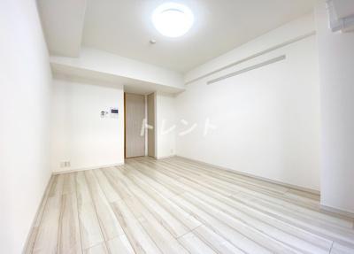 【居間・リビング】コンフォリア新宿