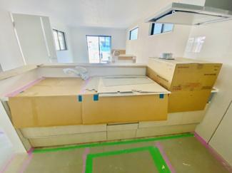【独立洗面台】新築分譲住宅 全3棟 中島 広々としたバルコニー