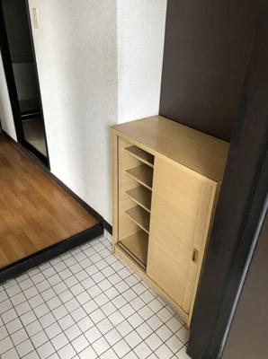 【玄関】ファミーサガミガオカ