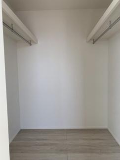 3階洋室ウォークインクローゼット。