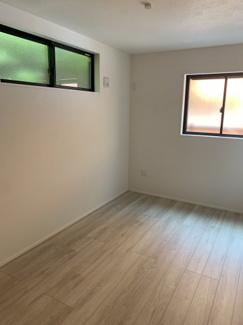 1階納戸6帖。リモートワーク部屋などご家族のライフスタイルに合わせていろいろと使い分けられます♪