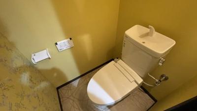 黄色いトイレは運気をあげてくれそうです♪