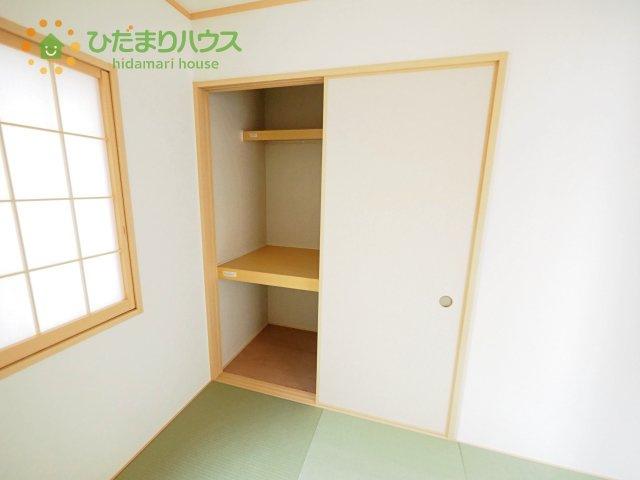 正方形の畳がモダンでスタイリッシュな空間です。客間としてはもちろん、キッズスペースやヨガスペースなど、マルチに活用できます♪