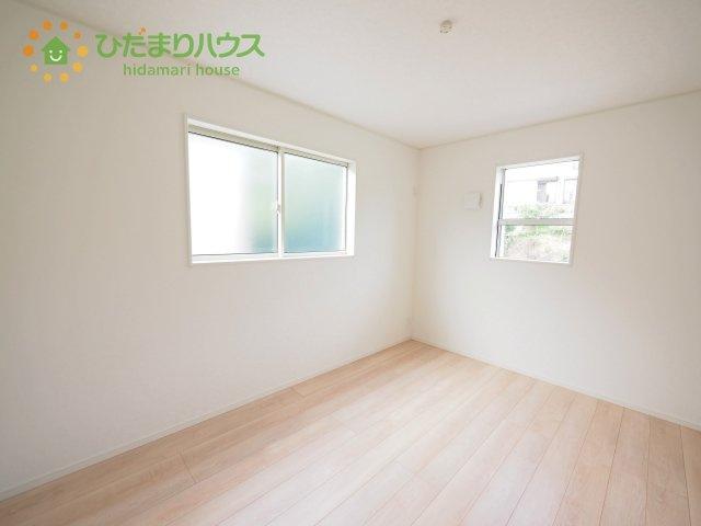 窓が多く、明るい空間を演出してくれます(*^^*)