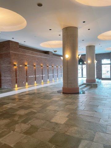 ◆エントランスはホテルに来たような高級感がありますよ♪