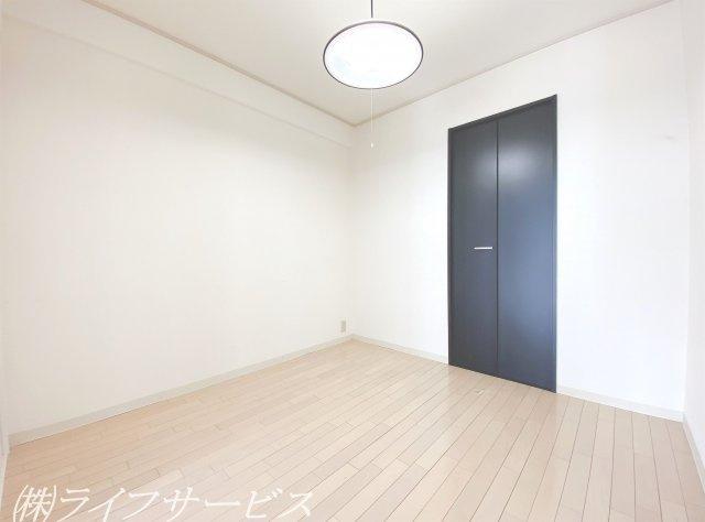 リビングルーム横洋室4.5帖/クローゼット有