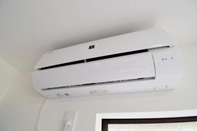 各居室に新規でエアコンを設置。すぐにでも住めちゃうありがたい設備の1つですね。
