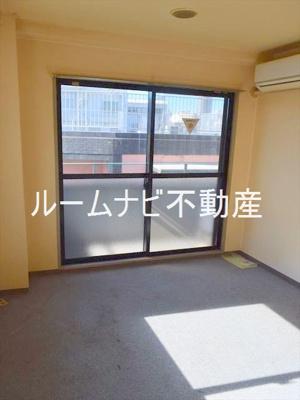 【居間・リビング】ブルーステップ