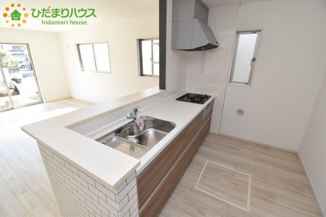 【キッチン】行田市佐間 1期 新築一戸建て リッカ 01