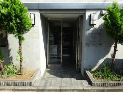 【エントランス】グレイスコート笹塚