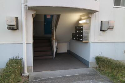 【エントランス】神陵台東住宅48号棟
