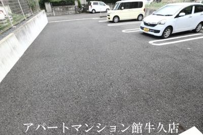 【駐車場】ルピナス