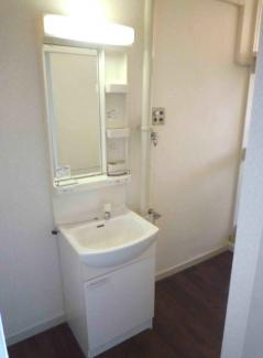 独立洗面化粧台です♪※画像は入居前のものです。