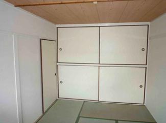 足を伸ばして寛げる和室が2間ございます♪大きな押入れも有り、収納力のある室内です!※画像は入居前のものです。