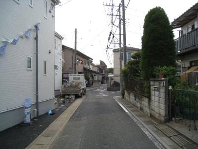 前面道路含む現地写真です 1・2号棟