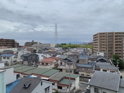 7階からの眺望です。街並みがよく見えます。