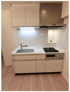 コンパクトで使いやすいキッチン。浄水機能も付いて、グリルも付いているのでお料理の幅も広がります。 お問い合わせは今スグ 03-3450-2381