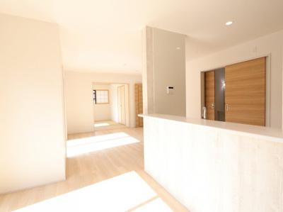 ゆったりとしたリビングです:建物完成しました♪♪毎週末オープンハウス開催♪吉川新築ナビで検索♪