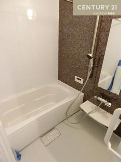 一日の疲れを癒してくれるお風呂場は 浴室乾燥機も付いているので雨天時などの 洗濯物を乾かす場所としても活躍してくれそうですね。