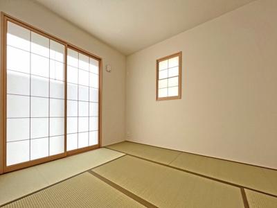 ■木造軸組み工法:日本の気候風土に適した在来工法 ■ダイライト下地仕様:防腐・防蟻性にすぐれています