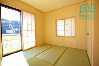 障子のある本格的な和室です。 陽当たりも良いくつろぎ空間になりますね。